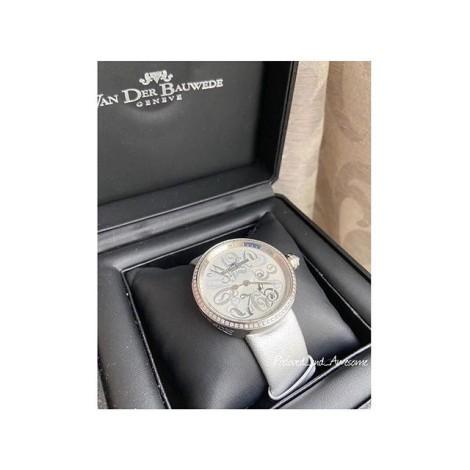 Часы VanDerbauvede